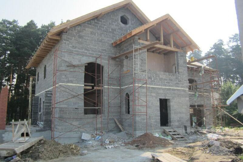 Монолитный дом из арболита